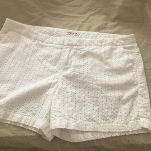 Like new! Merona eyelet chino plus size shorts